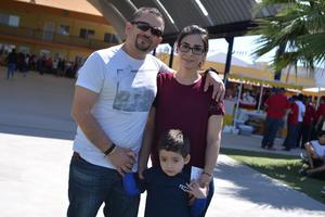 02042017 EN FAMILIA.  Gustavo, Claudia y Rodrigo.