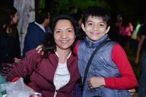 02042017 MUY CONTENTOS.  Natalia y Jesús Daniel.