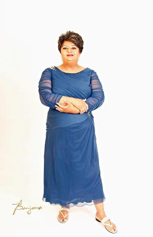 02042017 Sra. Minerva América Fernández Castillo, quien el 29 de marzo celebró su cumpleaños número 50 en compañía de amigos y familiares. - Benjamín Estudio