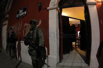 """La segunda """"visita"""" sorpresiva fue en un establecimiento denominado La Rielera, donde se llevó a cabo el mismo protocolo por parte de militares y policías."""