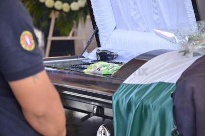 El cuerpo de Gustavo Muñoz será velado en la misma Estación Colón hasta las cinco de la tarde, luego será trasladado a una funeraria particular para su cremación.