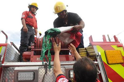 """Afirmaron que se suspendieron los """"trabajos extra"""" que realizaban los bomberos y así se le ordenó a Protección Civil."""