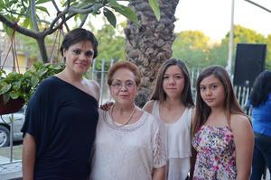 06042017 Dulce, María del Carmen, Dulce y Sofy.