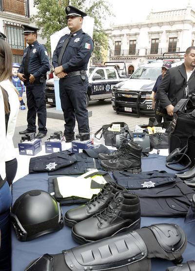 Adquirieron 26 millones de pesos para uniformes, botas, capacitación y otros aditamentos.