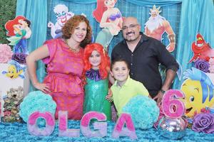 09042017 DIVERTIDA FIESTA.  La pequeña Olga acompañada de Gabriela, Mario y Mario Alberto, en su celebración por su sexto aniversario de vida.