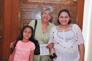 11042017 Sara, Rosa María y Miroslava.