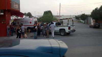 Al lugar acudieron también paramédicos de Cruz Roja quienes atendieron a una persona que sufrió crisis nerviosa.