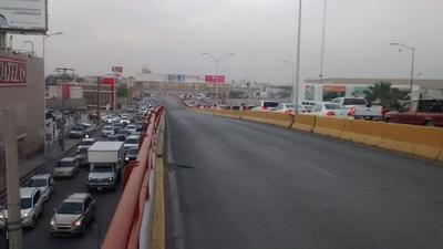 Fue necesario cerrar la circulación sobre el Puente Diana Laura hacia la Saltillo 400 de norte a sur.
