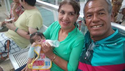 13042017 Emma, Yolanda y Carlos Bernardo.