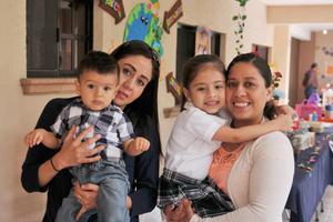 14042017 Abraham, Lily, Laura y Sofía.