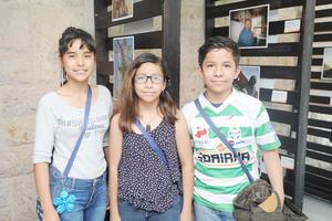 13042017 Grecia, Carmen y José.