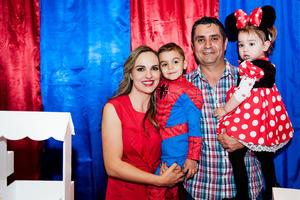 José Antonio y Alejandra con sus papás, Alejandra y José Antonio