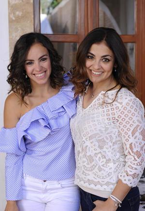 Bárbara y Deborah Mery
