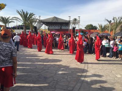 Participaron de manera entusiasta habitantes del pueblo de Viesca y de otras regiones de la Comarca Lagunera.