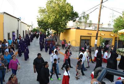 En la procesión participaron cofradías pertenecientes a distintos municipios de la Comarca Lagunera.