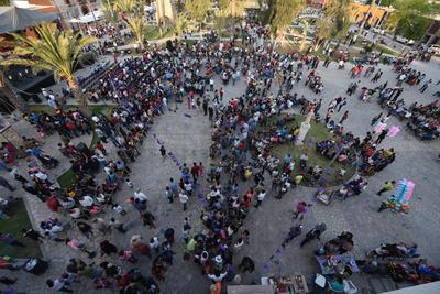 De acuerdo a los organizadores se tuvo una asistencia aproximada de 20 mil personas, provenientes de las parroquias de los distintos municipios de la Comarca Lagunera, para lo cual el gobierno proporcionó el servicio de transporte.