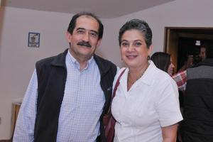 15042017 EN CAMERATA.  Alejandro y Lety.