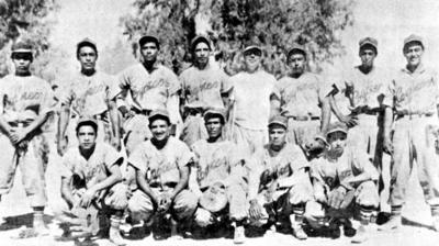 16042017 Equipo de beisbol Coyote Comisionistas, que militó en la Liga de Empleados y Profesionistas en 1944.