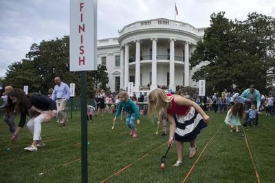 Este año, la Casa Blanca anunció que la tradicional fiesta tendría una dimensión más reducida en comparación con años anteriores.