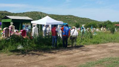 Inician exhumación de cuerpos en fosas de Coahuila