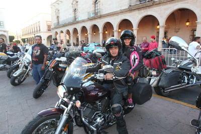 Se logró que los motociclistas que van a la Semana de la Moto en el puerto de Mazatlán se queden en Durango al menos unas noches, lo que beneficia al turismo porque permite que hoteles se llenen.