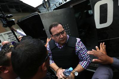 Esta tarde se celebró la audiencia en el Tribunal Quinto Penal en Guatemala, donde se le detallaron al exmandatario los cargos que se le imputan en México.