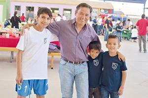 20042017 MUY CONTENTOS.  Julio, Juan Carlos, Abraham y Jesús.