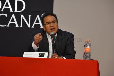 Javier Guerrero participó en el encuentro con los universitarios.