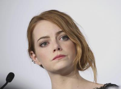Emma Stone es otra de las incluidas en la categoría de artistas.