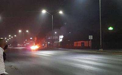 La situación de riesgo inició pasadas las 2:00 horas en el bulevard Hidalgo, a la altura de la colonia La Cima y se extendió a zonas aledañas como Las Cumbres, Aztlán, La Cañada, entre otras.