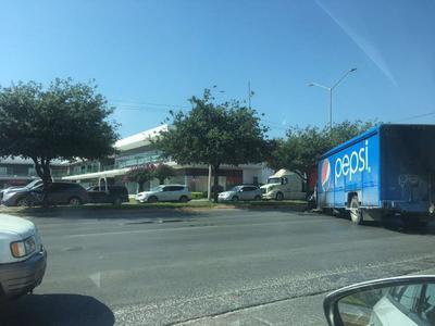 Durante el operativo, criminales incendiaron camiones y autos en Reynosa.