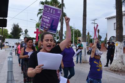 Natalia Fernández, integrante activista de Feministas de La Laguna, señaló que en este movimiento que se hace a la par con poco más de 40 ciudades se busca visibilizar o erradicar todas las formas de violencia machistas.