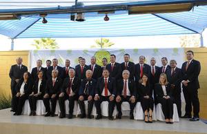 24042017 TOMA DE PROTESTA.  Integrantes de la mesa directiva de la Asociación Pro Infancia Neurogénica (APIN), con su  presidente entrante, Fernando Juan Marcos, quien ocupa el lugar de Ricardo Barroso.