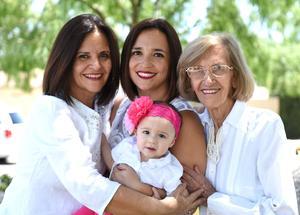 23042017 CUATRO GENERACIONES.  Flor, Netty, Lorena y Lorena.