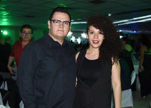 23042017 Jesús Chávez y Laura.