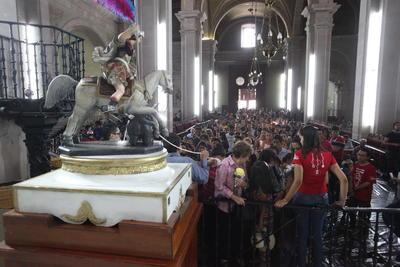 A través de las generaciones se ha transmitido la tradición de celebrar a San Jorge.
