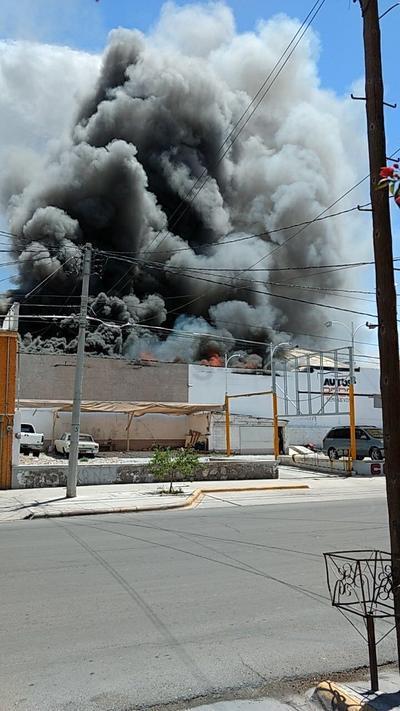 El fuego ha consumido la empresa.