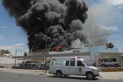 El incendio se apreció desde distintos puntos de la ciudad.