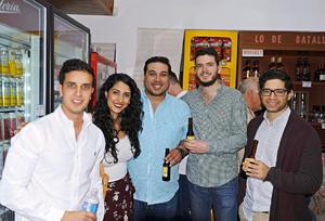25042017 EN APERTURA.  Enrique, Penélope, Armando, Andrés y Juan.