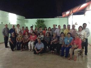 25042017 REENCUENTRO.  Exalumnos de la Escuela Comercial Treviño de Torreón, Coahuila, de la Generación 1969 - 1973, recientemente se reunieron para convivir y recordar sus momentos de estudiantes. Los acompañó el profesor Óscar Treviño Cárdenas.