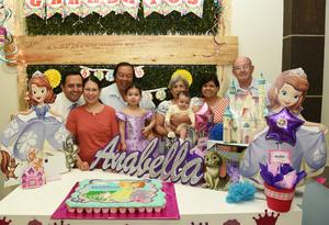 25042017 EN EL CUMPLE DE ANABELLA.  La festejada con sus papás, Jesús Alberto Delgado Cuéllar y Gloria Leticia Chong Moncada, y sus abuelos, Jesús Delgado, Lidia Cuéllar, Adolfo Chong y Rafaela Moncada.