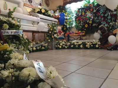 Los restos están siendo velados en la localidad de Dolores, Hidalgo para ser sepultado mañana miércoles tras una misa de cuerpo presente en la iglesia del lugar.