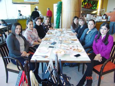 27042017 Cristy, Tere, Lupita, Anita, Carmen, Mónica, Dina y Ale.