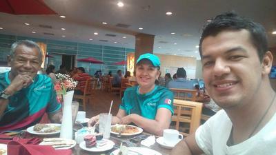 27042017 Carlos Bernardo, Yolanda y Carlos Francisco.