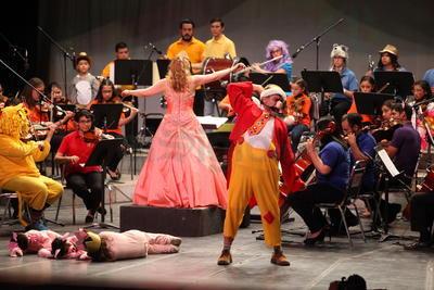 Algunos de los emblemáticos personajes creados por Gabilondo Soler aparecieron en el escenario