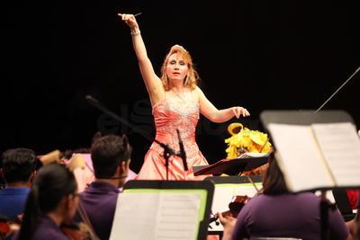 La Orquesta Sinfónica de la Academia Cesaretti regaló este concierto a los niños duranguenses para conmemorar su día por adelantado.