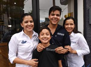 28042017 Ingrid, Arturo, Juan Luis y Selene Ávila.
