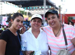 Elba, María Elena y Gaby Martínez Aguado