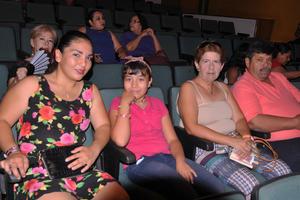29042017 Daniela, Janeth, Coco y Lázaro.