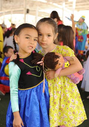 30042017 Victoria y Emma.